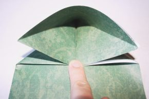 Making and oragami fold