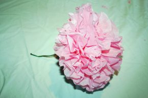 The completed tissue paper flower