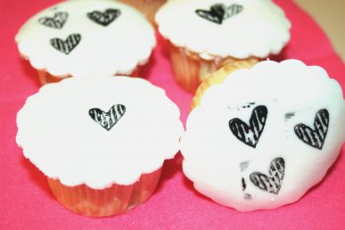 Black and white stamped cupcakes