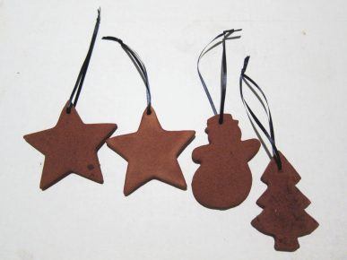 The finished ornaments with ribbon