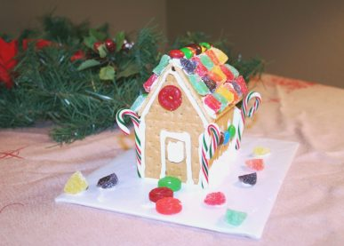 A gingerbread hosue made from graham crackers