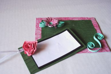 The daisy and rose gift card, made by quilling