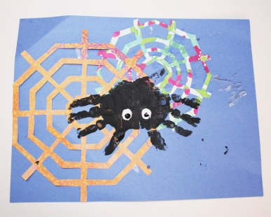 The finished handprint spider